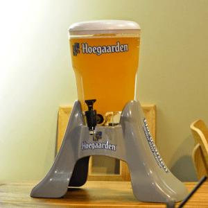 thưởng thức bia hoegaarden